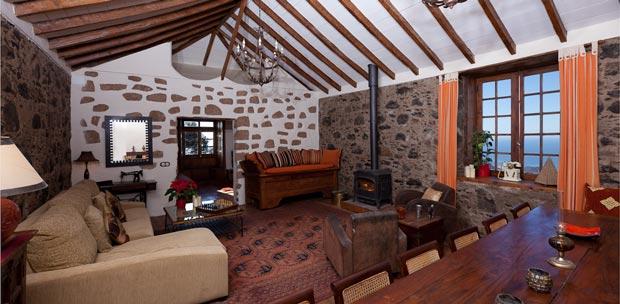 Altavista - Living Room
