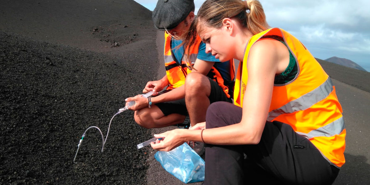 Diffuse CO2 degassing survey at Timanfaya volcano, Lanzarote